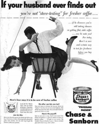 Anúncio do café Chase and Samborn, com marido batendo na mulher