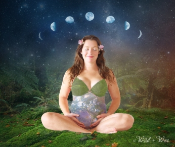 grávida com planeta Terra na barriga